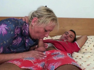He doggy-fucks busty blonde granny woman