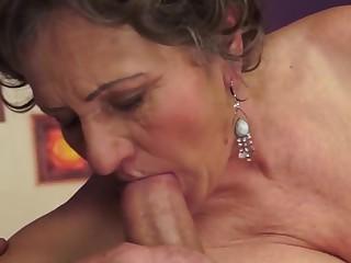 Grannies loves to suck.2