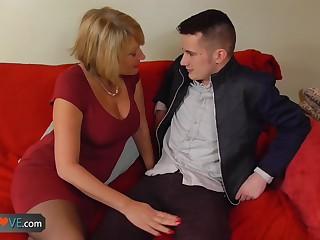 AGEDLOVE - Mature Amy seducing young Sam
