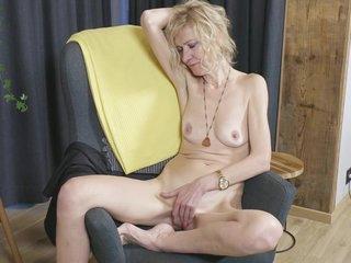 Lustful Skinny Milf Peggy Solo Scene